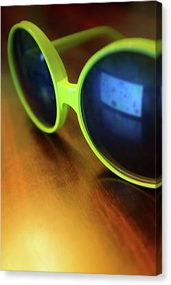 Canvas Print featuring the photograph Yellow Goggles With Reflection by Carlos Caetano