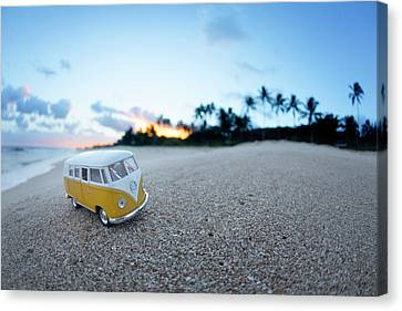Yellow Kombi Sunrise Canvas Print