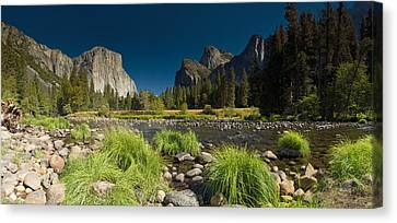 Yosemite - El Capitan Canvas Print by Gary Cloud