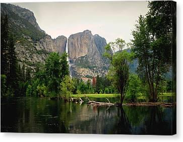 Yosemite A Scenic View To Remember Canvas Print