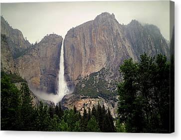 Yosemite Falls Horizontal Canvas Print