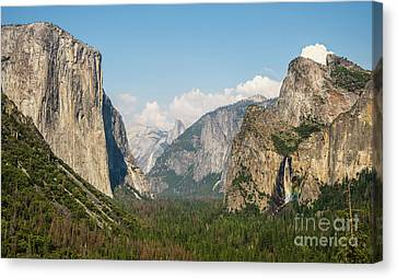 Yosemite Tunnel View With Bridalveil Rainbow By Michael Tidwell Canvas Print