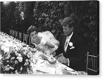 John F. Kennedy And Jacqueline Kennedy Canvas Print by Lisa Larsen