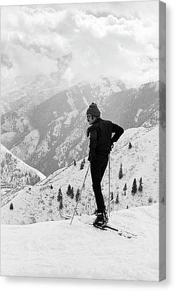 Actor Robert Redford Skiing Canvas Print