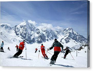 Group Of Skiers On The Slope, Ortler Canvas Print