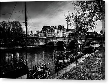 Paris At Night - Seine River Towards Pont Neuf Canvas Print