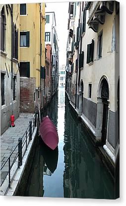 Quiet In Venice Canvas Print