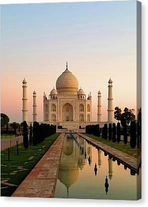 Sunrise At The Taj Canvas Print