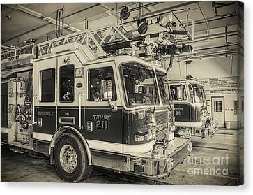 Truck And Engine 211 Canvas Print