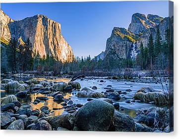 Winter Sunrise At Valley View Canvas Print