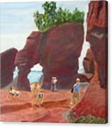 Hopewell Rocks2 Canvas Print by Linda Feinberg