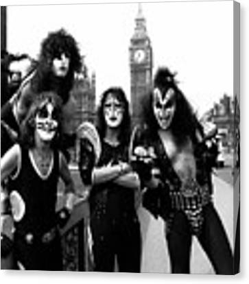 Kiss In London 1976  Canvas Print