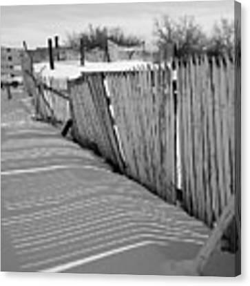 Old Fences Canvas Print by Dutch Bieber