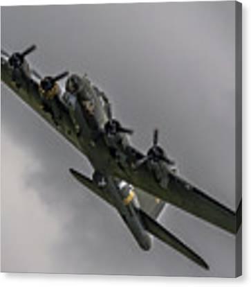 Raf Scampton 2017 - B-17 Flying Fortress Sally B Turning Canvas Print by Scott Lyons