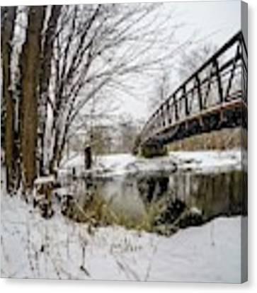 Bridgeview G0913444 Canvas Print by Michael Thomas