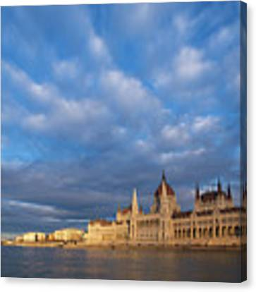 Parliament On The Danube Canvas Print by Davor Zerjav