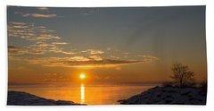 Bath Towel featuring the photograph -15 Degrees Sunrise by Georgia Mizuleva