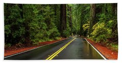 Avenue Of The Giants Passing Hand Towel