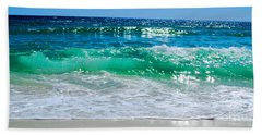 Hand Towel featuring the photograph Emerald Curl by Linda Mesibov