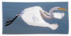 Great Egret In Flight Hand Towel