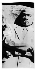 Bath Towel featuring the photograph Martin Luther King Memorial by Cora Wandel