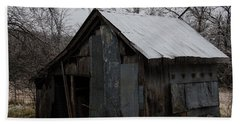 Patchwork Barn With Icicles Bath Towel