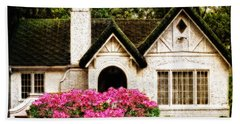 Pink Azaleas - Old Southern Charm By Sharon Cummings Bath Towel