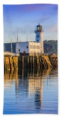 Sunset Over Scarborough Lighthouse Bath Towel