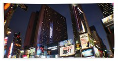 Bath Towel featuring the photograph Times Square Nyc by Rogerio Mariani