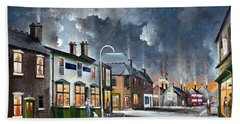 Hand Towel featuring the painting Upper High Street - Lye by Ken Wood