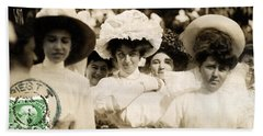 Hand Towel featuring the photograph 1908 Fashionable Ladies Of Trieste by Historic Image