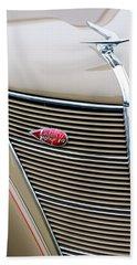 1937 Lincoln-zephyr Coupe Sedan Grille Emblem - Hood Ornament Bath Towel