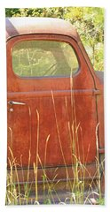 Hand Towel featuring the photograph 1941 International Truck by E Faithe Lester