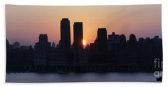 Bath Towel featuring the photograph Morning On The Hudson by Lilliana Mendez