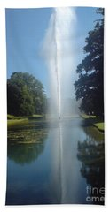 Hand Towel featuring the photograph Reaching High by Tracey Williams