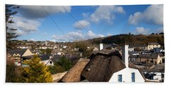 Thatched Cottages Near Dunmore Strand Bath Towel