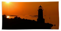 Winter Island Lighthouse Sunrise Bath Towel