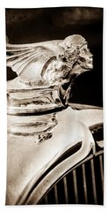 Bath Towel featuring the photograph 1927 Buick Goddess Hood Ornament by Jill Reger