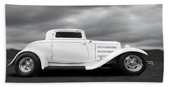32 Ford Deuce Coupe In Black And White Bath Towel