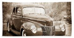 1940 Ford Deluxe Coupe Bath Towel
