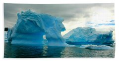 Bath Towel featuring the photograph Icebergs by Amanda Stadther