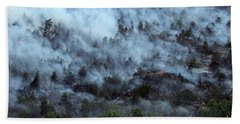 A Smoky Slope On White Draw Fire Bath Towel by Bill Gabbert