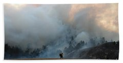 A Solitary Firefighter On The White Draw Fire Bath Towel by Bill Gabbert