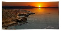 Bath Towel featuring the photograph A Sunset by Lynn Geoffroy