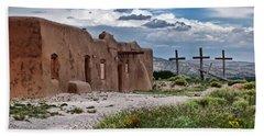 Abandoned Church In Abiquiu New Mexico Bath Towel