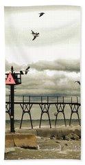 Algoma Pierhead Lighthouse Hand Towel