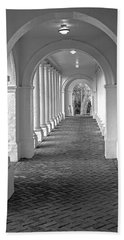 Arches At The Rotunda At University Of Va 2 Bath Towel by Jerry Gammon