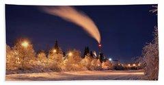 Arctic Power At Night Bath Towel