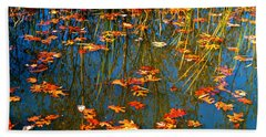 Hand Towel featuring the photograph Autumn  Floating by Peggy Franz
