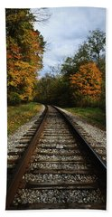 Bath Towel featuring the photograph Autumn View by Dale Kincaid